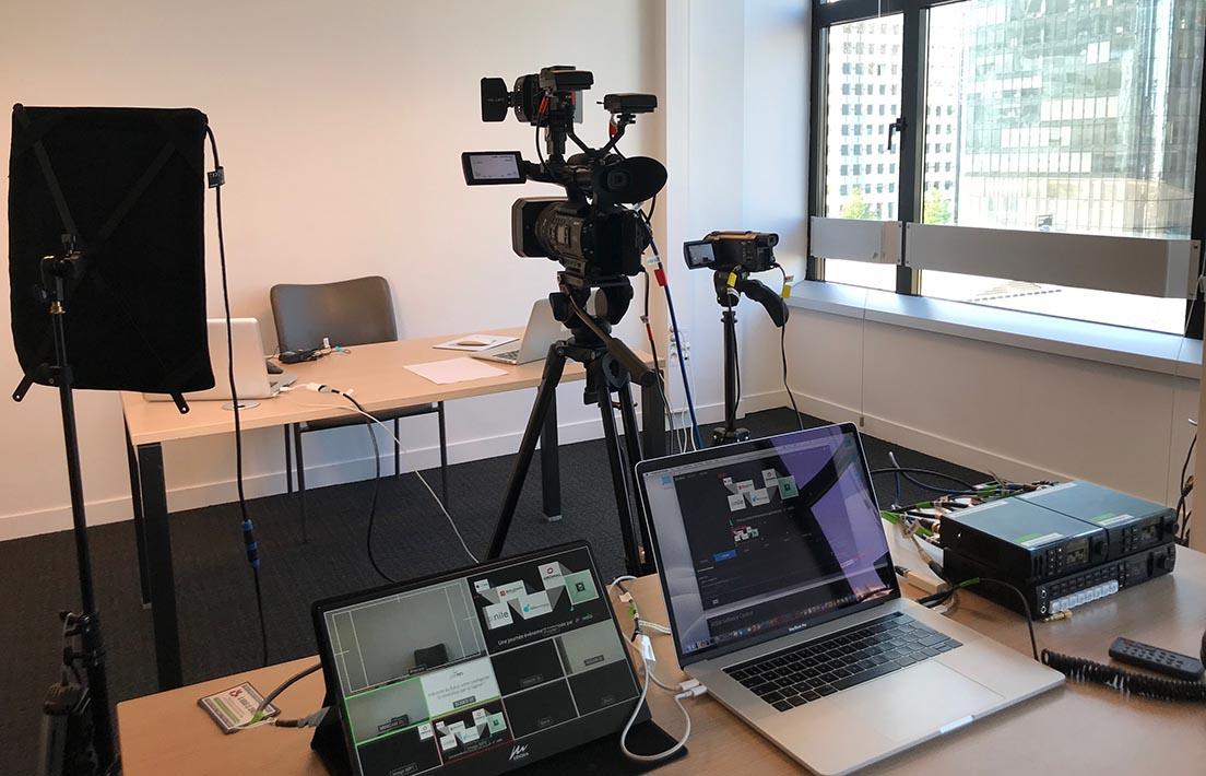 Nous vous accueillons pour tourner votre vidéo dans nos locaux situés sur le Parvis de la Défense.